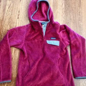 Like new Patagonia fleece pullover with hood